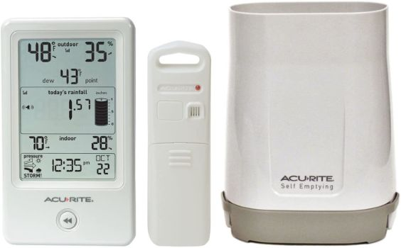 #8. AcuRite 01089M Rain Gauge Includes Thermometer